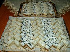 Rozi Erdélyi konyhája: Lakodalmas sütemények Cake Bars, Food And Drink, Bread, Cooking, Recipes, Advent, Kitchen, Pies, Bakken