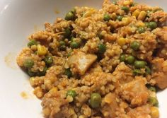 Csirkés-bulgur egytálétel recept foto Diabetic Recipes, Meat Recipes, Healthy Recipes, Breakfast Time, Quinoa, Fried Rice, Ham, Food And Drink, Low Carb