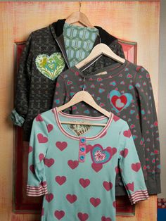 Upcycle Old Clothes With Funky Handmade Patches >> http://blog.diynetwork.com/maderemade/2014/03/26/dress-up-old-clothes-with-funky-handmade-patches/?soc=pinterest