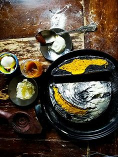 Turmeric & activated charcoal sourdough bread (via 'Wild fermentation' fb group)
