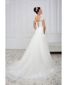 9ae4ae0b9793 Značkové svadobné šaty s predĺženým krajkovaným korzetom a tylovu sukňou