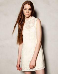 SLEEVELESS EMBROIDERED DRESS Ref. 9396334 29.99 € Now 17.99 €
