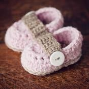 Crochet pattern - Baby Loafers - via @Craftsy
