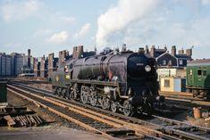 Southern Trains, Football Poses, Merchant Navy, Steam Railway, Bullen, British Rail, Battle Of Britain, Steamers, Steam Engine