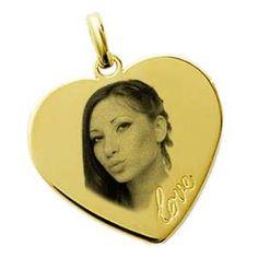 """Gravure photo sur pendentif """"Coeur LOVE"""" en plaqué or Gravure Photo, Plaque, Belle Photo, Mona Lisa, Photos, Artwork, Money, Gold Plating, Jewels"""