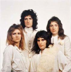 Queen II - photoshoot