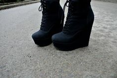 Ugh I really want booties like this. But there's no way in hell I could wear them to walk around Seattle!