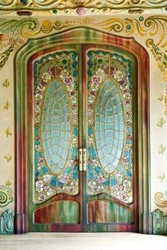 art nouveau door in the casa comalat, barcelona, by salvador valeri i pupurull Cool Doors, The Doors, Unique Doors, Entrance Doors, Doorway, Windows And Doors, Front Doors, Grand Entrance, Doors Galore
