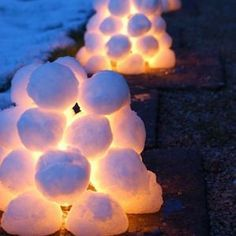 Looking for Christmas yard decoration ideas? Here's some beautiful collection of Christmas yard decor pictures… Far or near, when Christmas comes chiming its way, all [. Christmas Light Show, Hanging Christmas Lights, Holiday Lights, Christmas Diy, Christmas Lanterns, Christmas Trees, Whoville Christmas, Christmas Music, Diy Christmas Yard Decorations