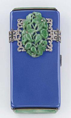 AN ART DECO JADE, ENAMEL AND DIAMOND VANITY CASE, BY VAN CLEEF & ARPELS <I>NÉCESSAIRE ART DÉCO