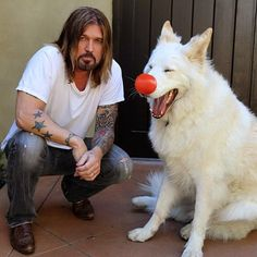 Billy Ray Cyrus & GSD Animals And Pets, Funny Animals, Cute Animals, Funny Pets, White Shepherd, Shepherd Dog, Billy Ray Cyrus, White Dogs, Funny Animal Pictures