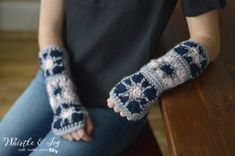 Free Crochet Pattern - Vintage Inspired Arm warmers. These comfy arm warmsers are cute and feminine, and have a cute button detail.