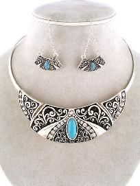 New Silver Turquoise and Crystal Choker with Pretty Matching Earrings