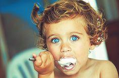 this is beyond precious. those stinkin' cute eyes.