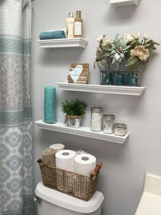 Decorating bathroom shelves, small bathroom ideas, bathroom storage o Diy Bathroom, Shelves, Restroom Decor, Trendy Bathroom, Floating Shelves, Small Bathroom Decor, Bathrooms Remodel, Bathroom Design, Bathroom Decor