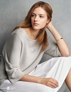 Esther Heesch Minimalist Fashion, Turtle Neck, Spring Summer, Model, Sweaters, Womens Fashion, Beauty, Style, Venus