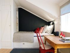 Attic Bedroom Small, Attic Rooms, Attic Spaces, Kids Bedroom, Small Apartment Hacks, Tiny Apartments, Guest Bed, Beautiful Bedrooms, Sweet Home