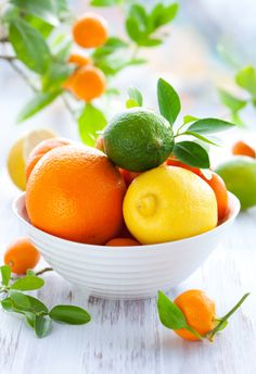 Citrus fruit as a colourful table display... The Little Corner