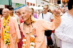 By Kavicandra Swami There seems to be a lot of confusion about what it means to give fifty percent. For most householders their income does not allow them to live and to give 50% to the temple. The…