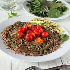 Vegan Richa: Buckwheat Soba pasta with grilled Zucchini, evoo, pesto, cherry tomatoes. Grilled Zucchini, Grilled Veggies, Zucchini Pesto, Italian Recipes, Vegan Recipes, Free Recipes, Creamy Spinach Soup, Light Pasta, Vegan Roast