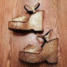 Vintage 70s Gold Glitter Glam Wonderwedge Platform Shoes