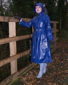 #RaincoatsForWomenBlue #RaincoatsForWomenRainyDays