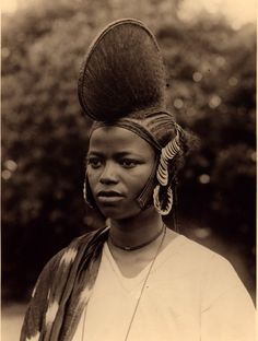 Africa | Fula (Fulani/Fulbe) woman from Guinea. | Vintage postcard; photographer unknown