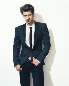 Andrew Garfield - we love his thin tie. Wow he looks good! Andrew Garfield, Amazing Spider Man 3, Beautiful Men, Beautiful People, Gorgeous Guys, Hello Gorgeous, Pretty People, Blake Steven, Skinny Guys