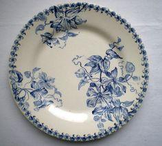 ¤ Manufacture Bordeaux Jules Vieillard - décor clématite bleue. French ironstone plate