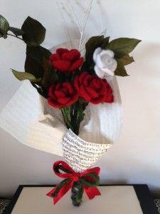 DeCoRarte - Rose in lana cardata infeltrita handmade