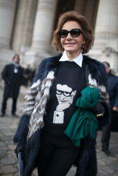 más conocida como Naty Abascal o Nati Abascal, es una modelo de alta costura española, musa de modistos como Valentino y Óscar de la Renta.