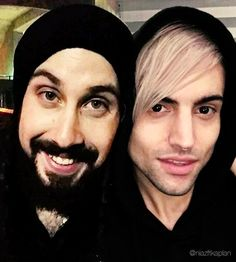 mitch serving face + avi being adorable = everything
