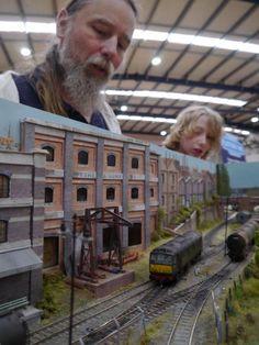 Ho Trains, Model Trains, Ho Train Layouts, Model Railway Track Plans, S Models, Scenery, Hobby, Model Railroader, Wood Furniture