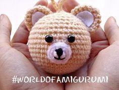 Receita Original:World of Amigurumi Crochet Ornaments, Crochet Crafts, Crochet Dolls, Fabric Crafts, Amigurumi Doll, Amigurumi Patterns, Crochet Patterns, Crochet Keychain, Baby Afghans