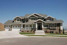 LOVE modern craftsman homes