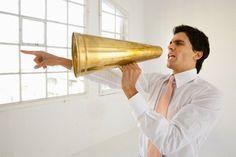 Megáfonos en la expresión oral / Se debe obedecer a las órdenes
