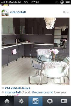 Kitchen colour-white graniet