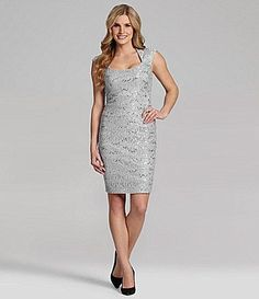 JAXCap-Sleeve Lace Cocktail Dress. Taille 38. REF 3516.