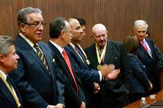 El Senador Enrique Burgos, el Dr. Jorge Eduardo Pascual, el Presidente Municipal de Qro, Roberto Loyola, el Dr. Manuel Mondragón y Kalb y el Dr. Diego Valades