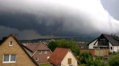 05.07.2015 Sturm zieht auf... Kreis Northeim Cabin, Mountains, House Styles, Nature, Travel, Home Decor, Clouds, Rain, Voyage