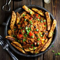 All-American Chili Fries | healthy #gastropub deliciousness for #MeatlessMonday | #vegan #cleaneating #glutenfree