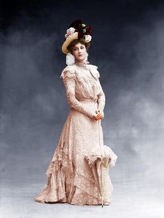 19 Incredible Colorized Photos of Victorian Women From 1850s to 1890s