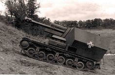 105-mm self-propelled howitzer on the chassis Lorraine 37L, which was constructed by Becker Baukommando near Paris. The company has built 12 such destroyers that served in the 21st Panzer division. By the way, commanded a battery choose Becker. In the photo machine as of 1942.