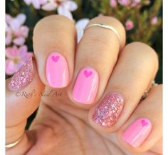15 einfache Valentinstag Nail Art Designs Ideen 2017 Vday Nails - New Ideas Fancy Nails, Love Nails, Trendy Nails, How To Do Nails, My Nails, Cute Pink Nails, Style Nails, Shellac Nails, Heart Nail Art