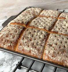 TIPS! Följ gärna Lindas bakskolapåInstagram(klicka här!) Great Recipes, Tart, Bread, Baking, Food, Hem, Goals, Instagram, Breads