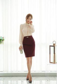 Clothing ideas on work korean fashion 746 Office Fashion, Business Fashion, Work Fashion, Fashion Outfits, Women's Fashion, Workwear Fashion, Fashion Blogs, Mode Pro, Secretary Outfits
