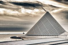 Milwaukee Art Muesum. Lakefront. Downtown Milwaukee.