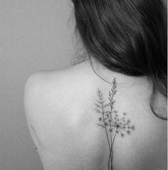 Tatouage dos Ce tattoo que je ne saurais voir Tattoos Hipster, Music Tattoos, Trendy Tattoos, Unique Tattoos, Small Tattoos, Tatoos, Bone Tattoos, Arrow Tattoos, Body Art Tattoos