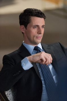 This is my favourite picture of Matthew Goode today. As Finn Polmar the completely adorable, funny, clever and slightly naughty Chicago lawyer who I would love to hire but could probably not afford. [TGW]