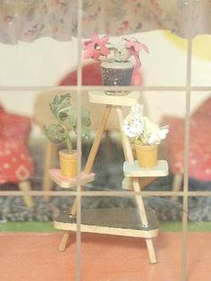 vintage miniature plant stand from Puppenhausmuseum - inspiration for simple plant stand for dollhouse garden room